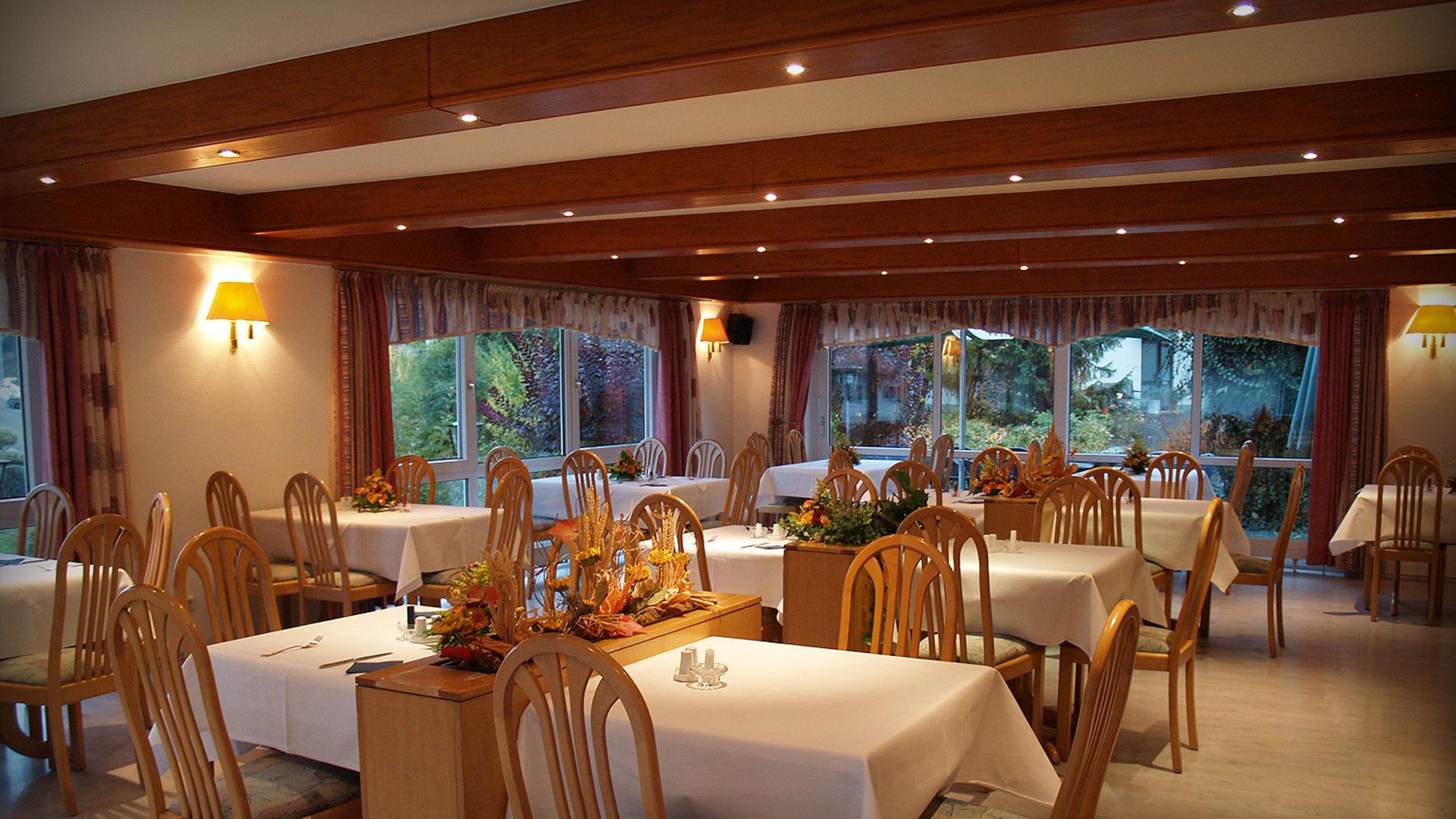 cropped-Gasthof-Kanzelstein-Tisch2.jpg